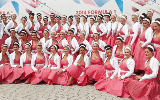 f1 grid girls and event staff